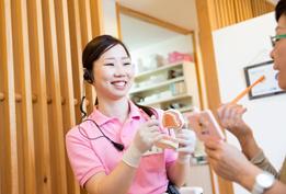 予防中心の歯科医院なので、沢山の患者さんがメンテナンスに来院されています。