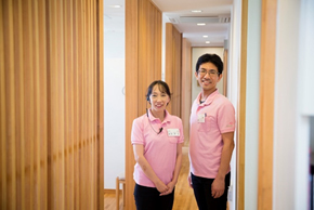 歯周病専門医が2名在籍しており、専門医から学ぶことができます!